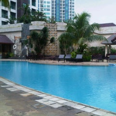 Photo taken at Kristal Hotel Swimming Pool by reagie a. on 5/9/2012