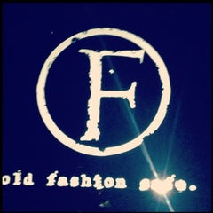 Photo taken at Old Fashion by Rhuss on 3/7/2013