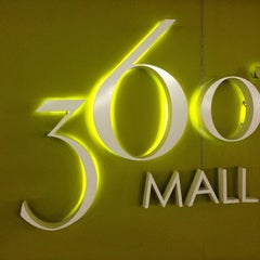 Photo taken at 360° Mall by RANA ,. on 7/5/2013