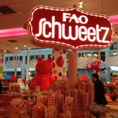 Photo taken at FAO Schwarz by Natalia M. on 2/9/2013
