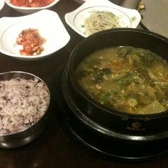 Photo taken at 화우명가 by Eonju L. on 12/21/2012