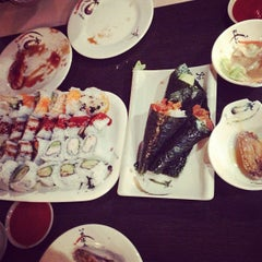 Photo taken at Toyama Japanese Resturant by Felix T. on 7/11/2013