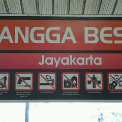 Photo taken at Kwetiaw Sapi 78 Mangga Besar by Naoki B. on 1/5/2013