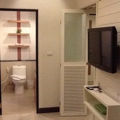 Photo taken at โรงแรมไอยรา แกรนด์ พาเลซ (Ayara Grand Palace Hotel) by Thomas P. on 5/21/2013