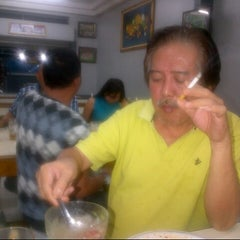 Photo taken at Warung Nasi AMPERA by Tedy S. on 11/17/2012