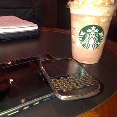 Photo taken at Starbucks (สตาร์บัคส์) by Theera K. on 11/7/2012