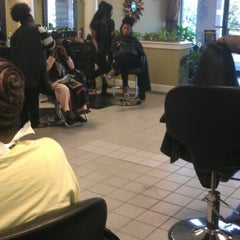 Photo taken at The Perfect Weave Salon by Toni R. on 10/6/2012