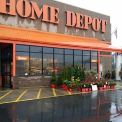 Photo taken at The Home Depot by Bernard M. J. on 12/23/2013