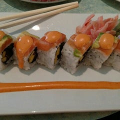 Photo taken at Blue Pacific Sushi & Grill by Nicole M. on 5/19/2015