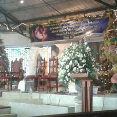 Photo taken at Iglesia Cristo Redentor by Lunna S. on 1/18/2013