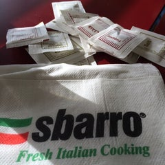 Photo taken at Sbarro by 💋 on 10/9/2014