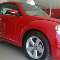 Photo taken at Volkswagen Potosina by Pabss S. on 8/6/2015