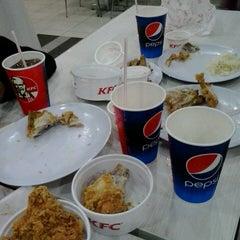 Photo taken at KFC by Fyraa S. on 11/6/2015