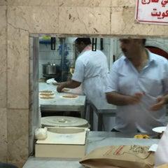 Photo taken at كفتيريا الشويخ by Essa m. on 5/25/2015