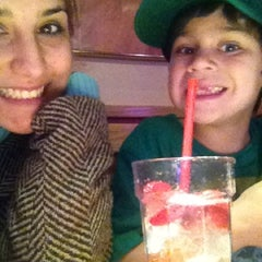 Photo taken at Red Robin Gourmet Burgers by Corrie V. on 1/2/2013