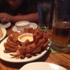 Photo taken at Outback Steakhouse by Tamer S. on 11/12/2012