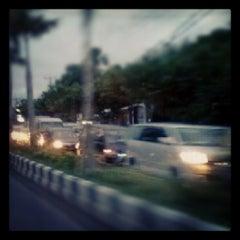 Photo taken at Jalan By Pass Ngurah Rai by RazeR E. on 1/2/2013