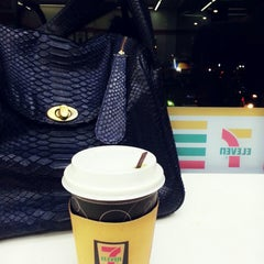 Photo taken at 7-Eleven by Feni W. on 3/28/2015