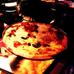 Photo taken at Pizzaria Vero Verde by Helida O. on 11/11/2012