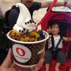 Photo taken at Red Mango by CeCe on 8/16/2014