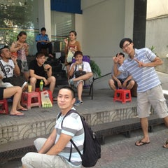 Photo taken at Cà Phê Lề Đường LUSH Land by Huong T. on 11/9/2012