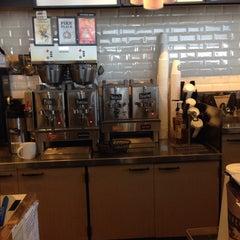 Photo taken at Starbucks by bobby b. on 5/5/2014