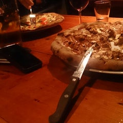 Photo taken at Tennessy Willems Wood Oven Pizza by Darren W. on 11/16/2013