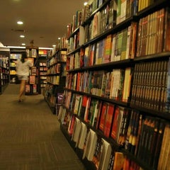 Photo taken at Fully Booked by MYswarm on 2/5/2013