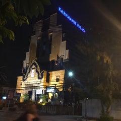 Photo taken at โรงแรมกานต์มณี พาเลซ (Karnmanee Palace) by Thongchart T. on 9/28/2015