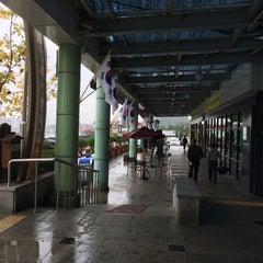 Photo taken at 천안삼거리휴게소 by Jong-hyun L. on 10/11/2015