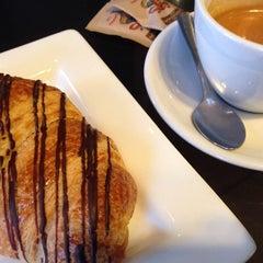 Photo taken at Blenz Coffee by Erni J. on 2/8/2014