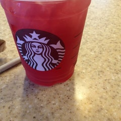 Photo taken at Starbucks by Riza C. on 6/26/2014