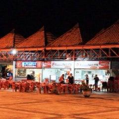 Foto tirada no(a) Praça de Alimentação do Dom Pedro por AGVSM em 7/8/2013