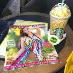 Photo taken at Starbucks by Radikal Magazine G. on 9/4/2013