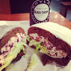 Photo taken at Tompkins Square Bagels by Germán V. on 7/7/2013