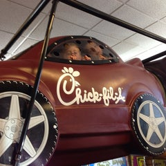 Photo taken at Chick-fil-A by Charles B. on 8/23/2013