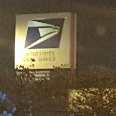 Photo taken at US Post Office by Eve Y. on 11/7/2015
