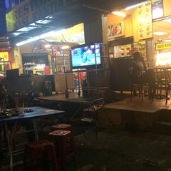 Photo taken at Restoran Maju Ahmad by Hafizsi R. on 1/3/2016