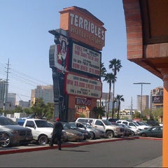 Photo taken at Silver Sevens Hotel & Casino by Russell F. on 3/22/2013