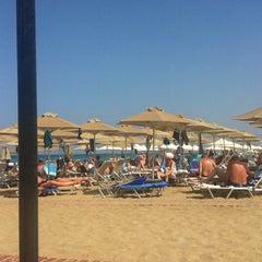 Photo taken at ILIOS beach hotel by Nikosp20 ✨ on 9/20/2014