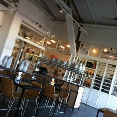 Photo taken at Bait Banamal - Restaurant (בית בנמל - המסעדה) by Richard G. on 8/28/2013