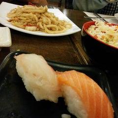 Photo taken at Restaurante Japonés Fuji by Alfonso S. on 6/1/2014