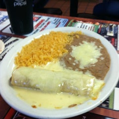 Photo taken at El Zarape Mexican Restaurant by Chandra S. on 11/7/2012