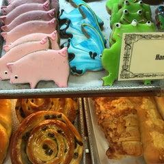 Photo taken at La Tropezienne Bakery by Arthur H. on 10/6/2014