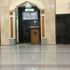 Photo taken at Masjid Al-Manar by BAS 2. on 2/3/2013