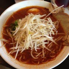 Photo taken at Maru Ichi Japanese Noodle House by Tetsuya W. on 5/15/2013