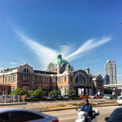 Photo taken at 서울역 (Seoul Station) by Seokho Y. on 10/16/2012