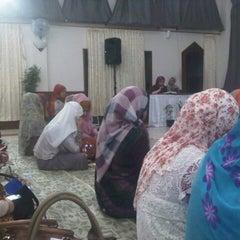 Photo taken at Pondok Pesantren Daarut Tauhiid by Aderma on 9/15/2012