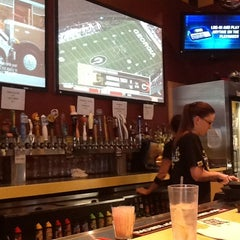 Photo taken at Buffalo Wild Wings by Danny W. on 11/24/2012
