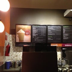 Photo taken at Starbucks by Tito E. on 10/28/2012
